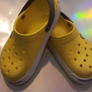 2/10$ kids crocs